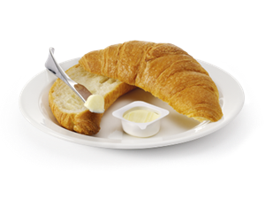 Sliced -croissant -on -plate -2
